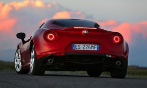 Alfa Romeo 4C, вид сзади.