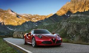 Спортивный автомобиль Alfa Romeo 4C великолепен с любого угла зрения